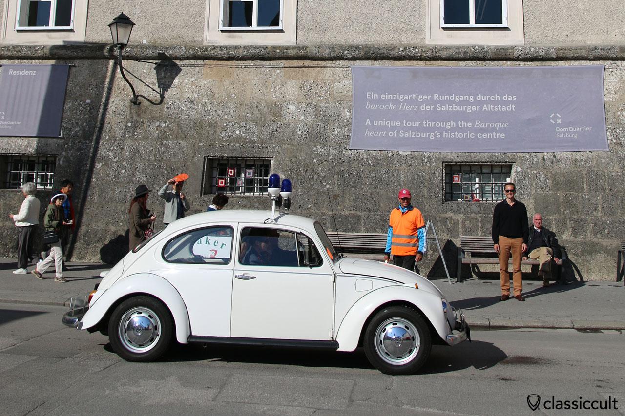 Gendarmerie VW Käfer in Salzburger Altstadt