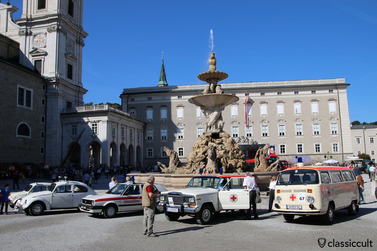 150 jähriges Jubiläum der Freiwillige Feuerwehr Salzburg am Residenzplatz und Residenzbrunnen