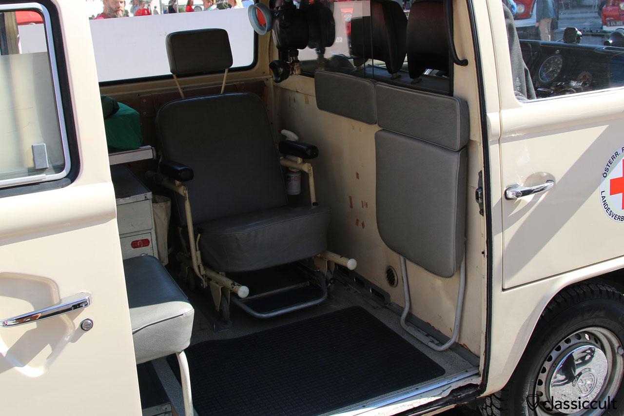 VW T2 Krankenwagen Innenansicht