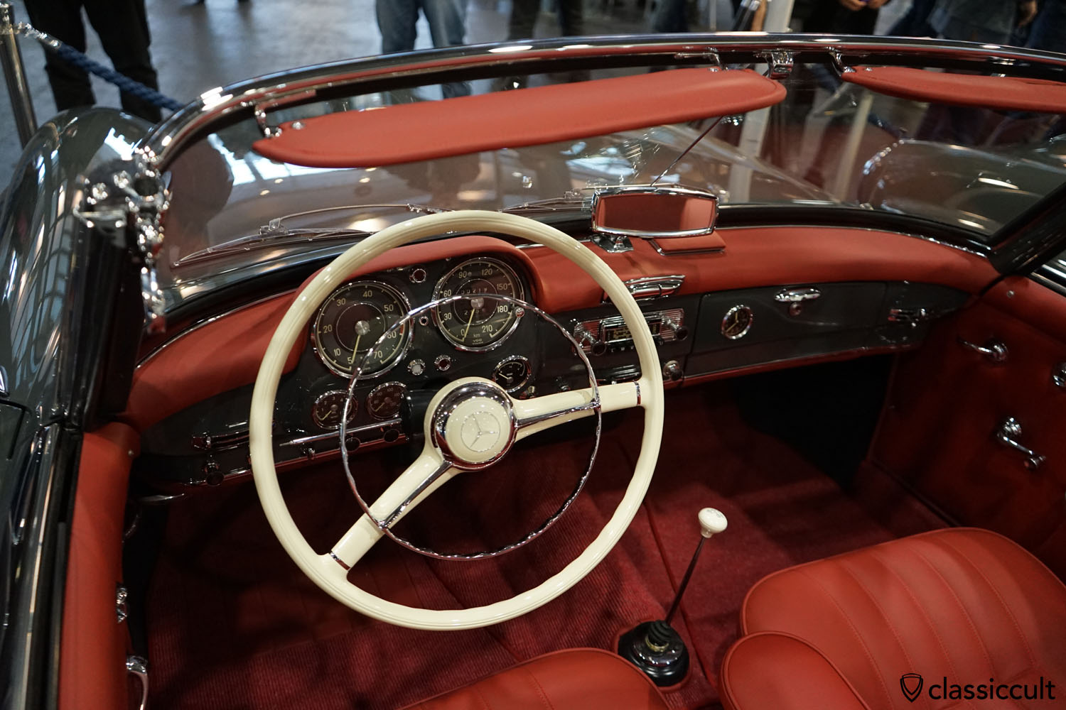 Mercedes Benz 190 SL, dashboard