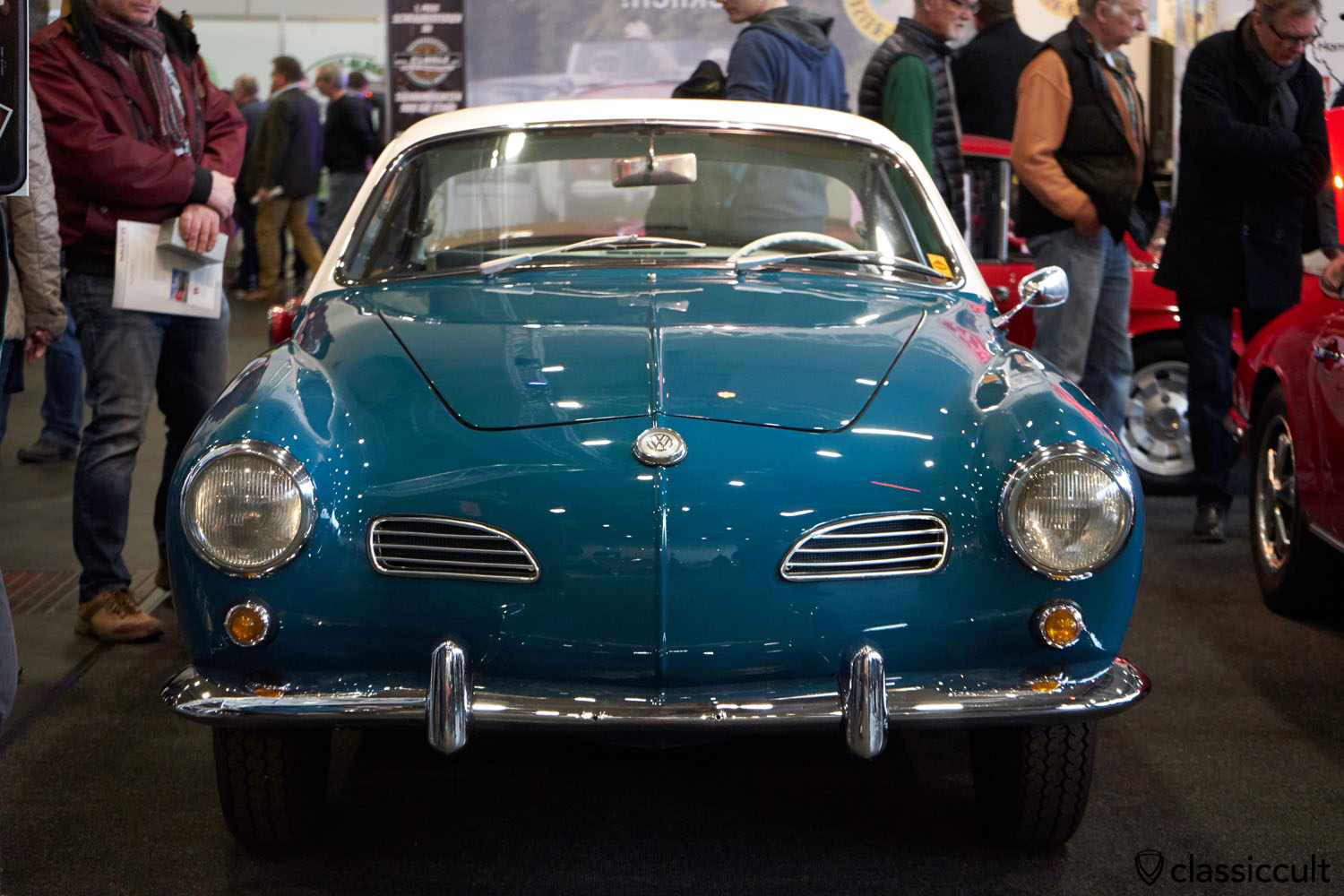 VW Karmann Ghia Coupe 1960, seeblau, 33700 EUR, CARRACHO CLASSICS