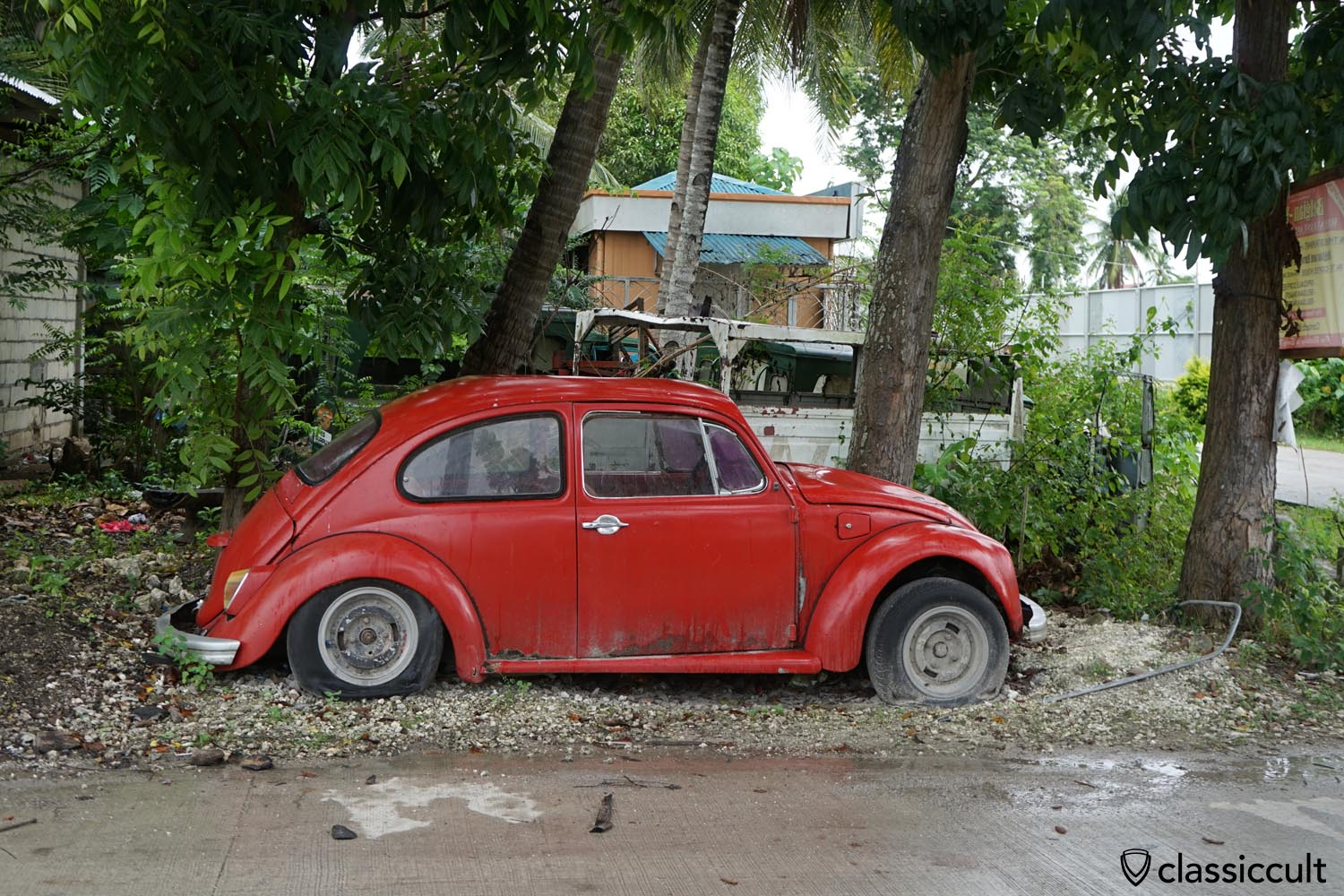 classic VW spotted in the Philippines
