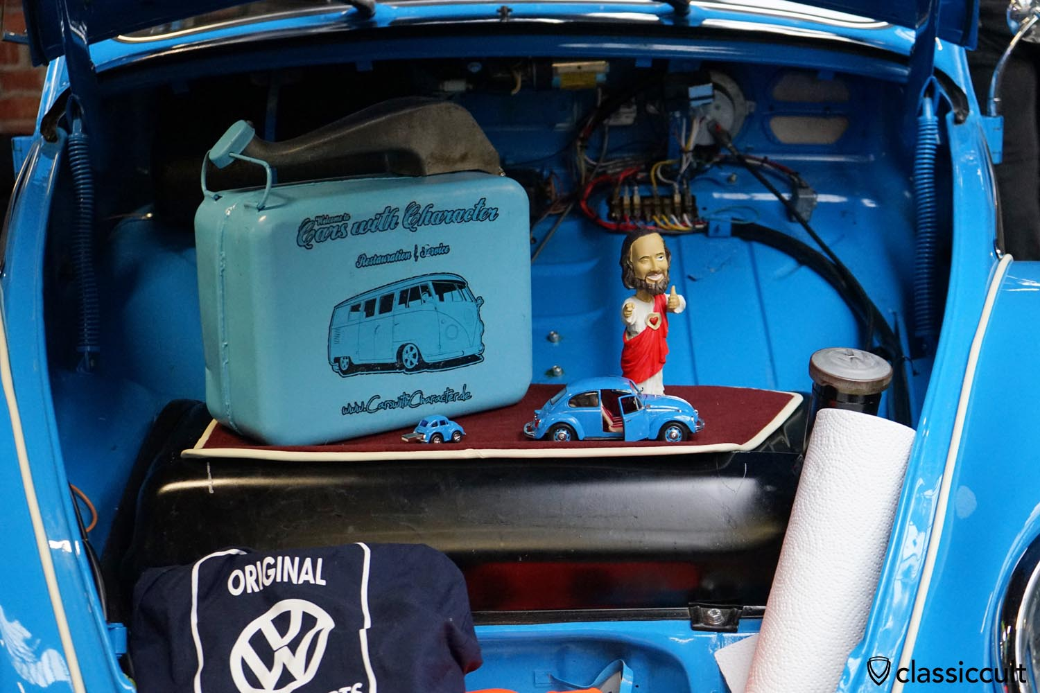 VW Beetle trunk, cars with character Restoration and Service