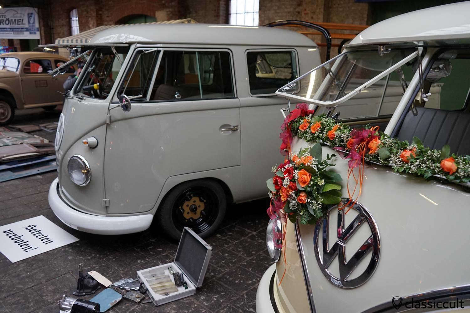 VW T1 with Safari Windows