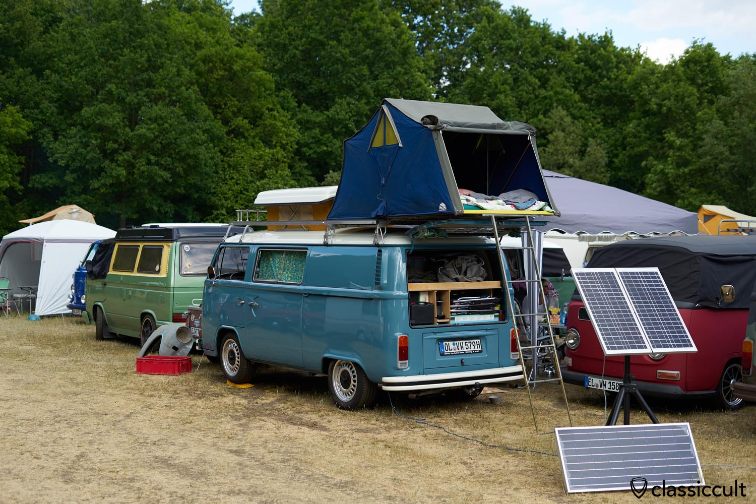VW T2 Bus roof top tent
