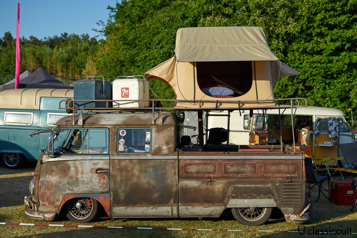 VW T1 roof top tent