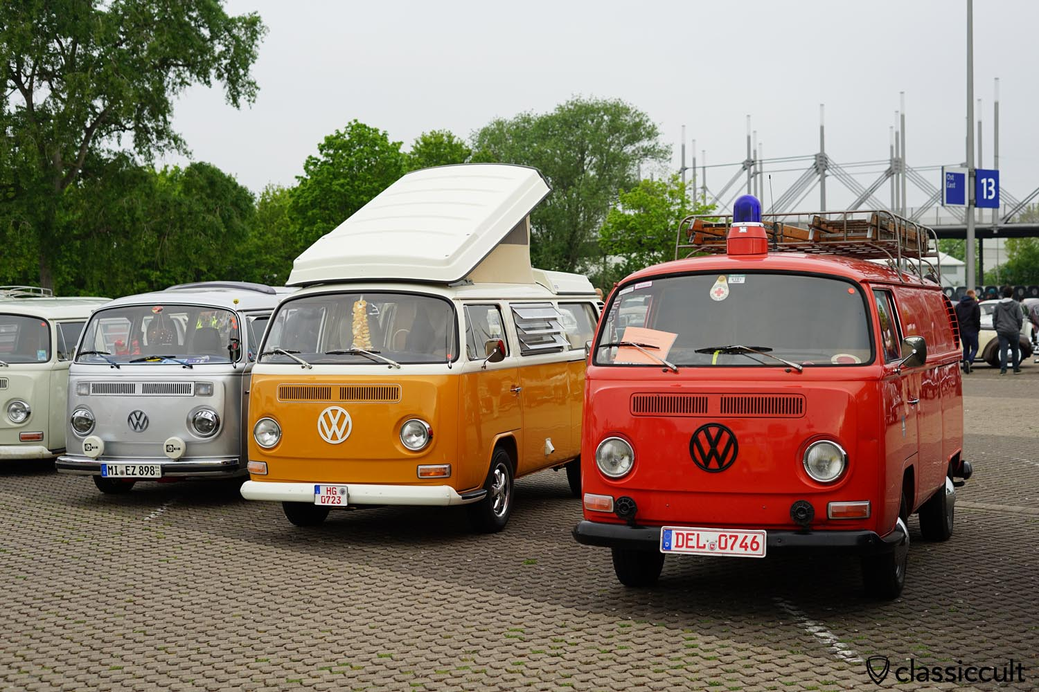 VW T2a Fire Bus