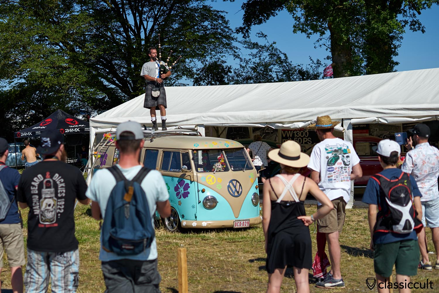 Bagpipe Player on the VW Bus roof