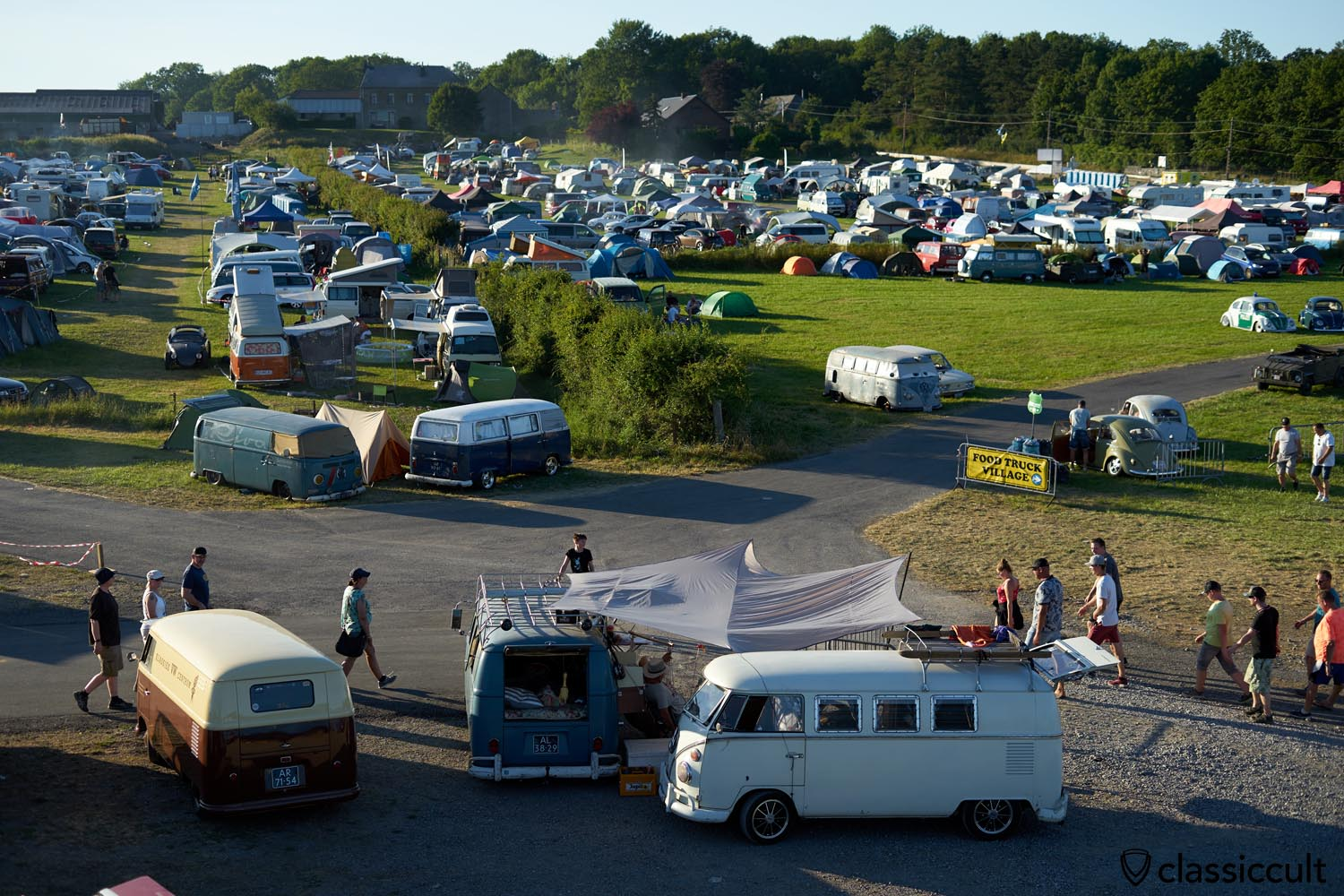 camping area at BBQ time, European Bug-in Chimay 2019, 20:11 p.m