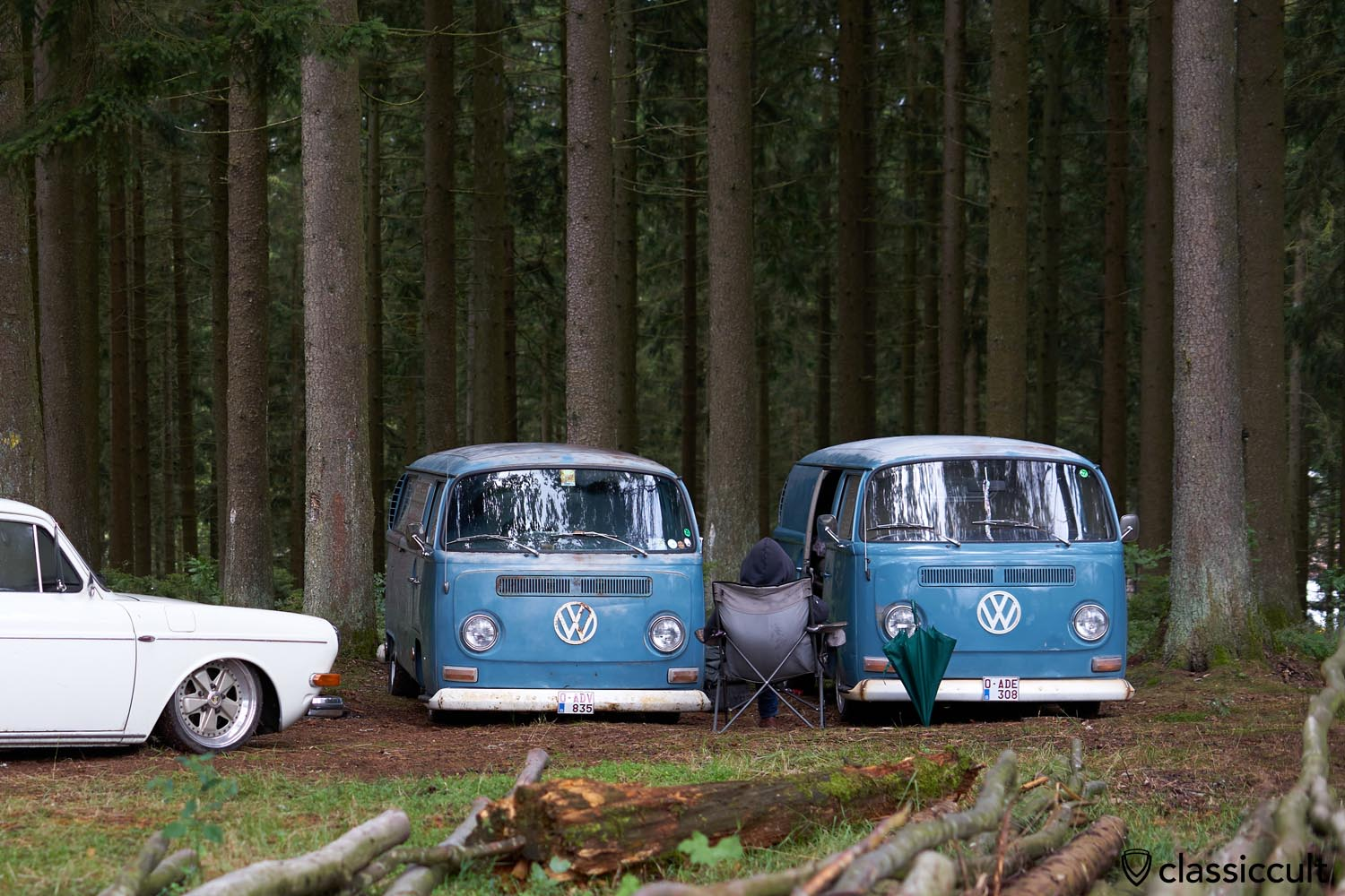 two blue T2a lowered