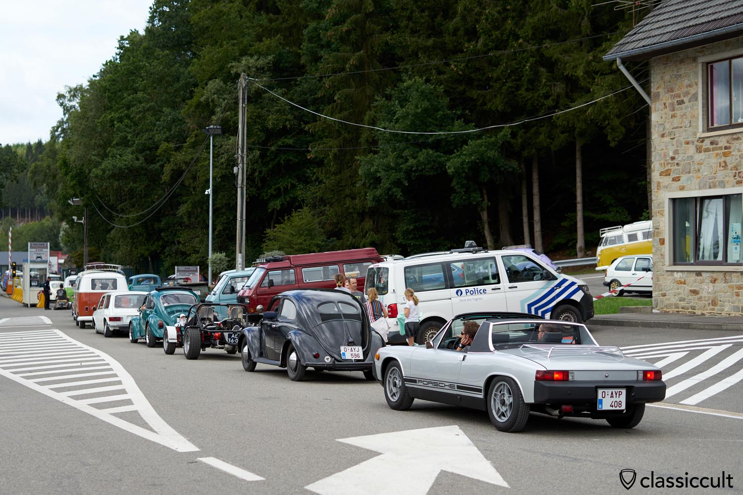 traffic jam before the tunnel, Porsche 914, Split Bug, Beach Buggy, Bus