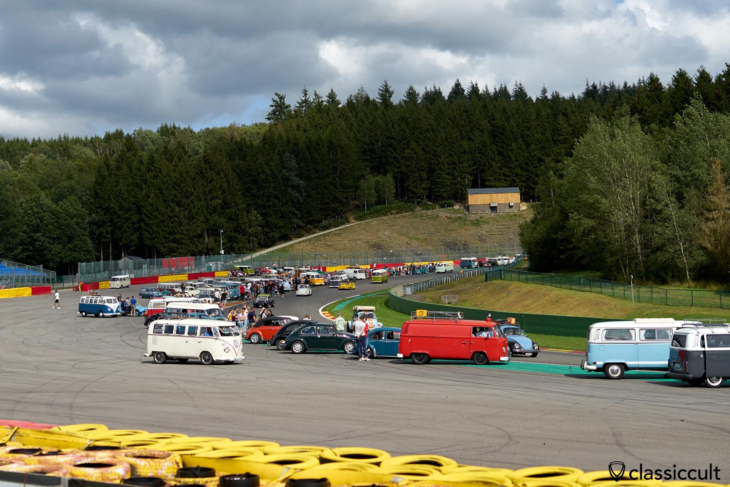 VW fans on Circuit Spa