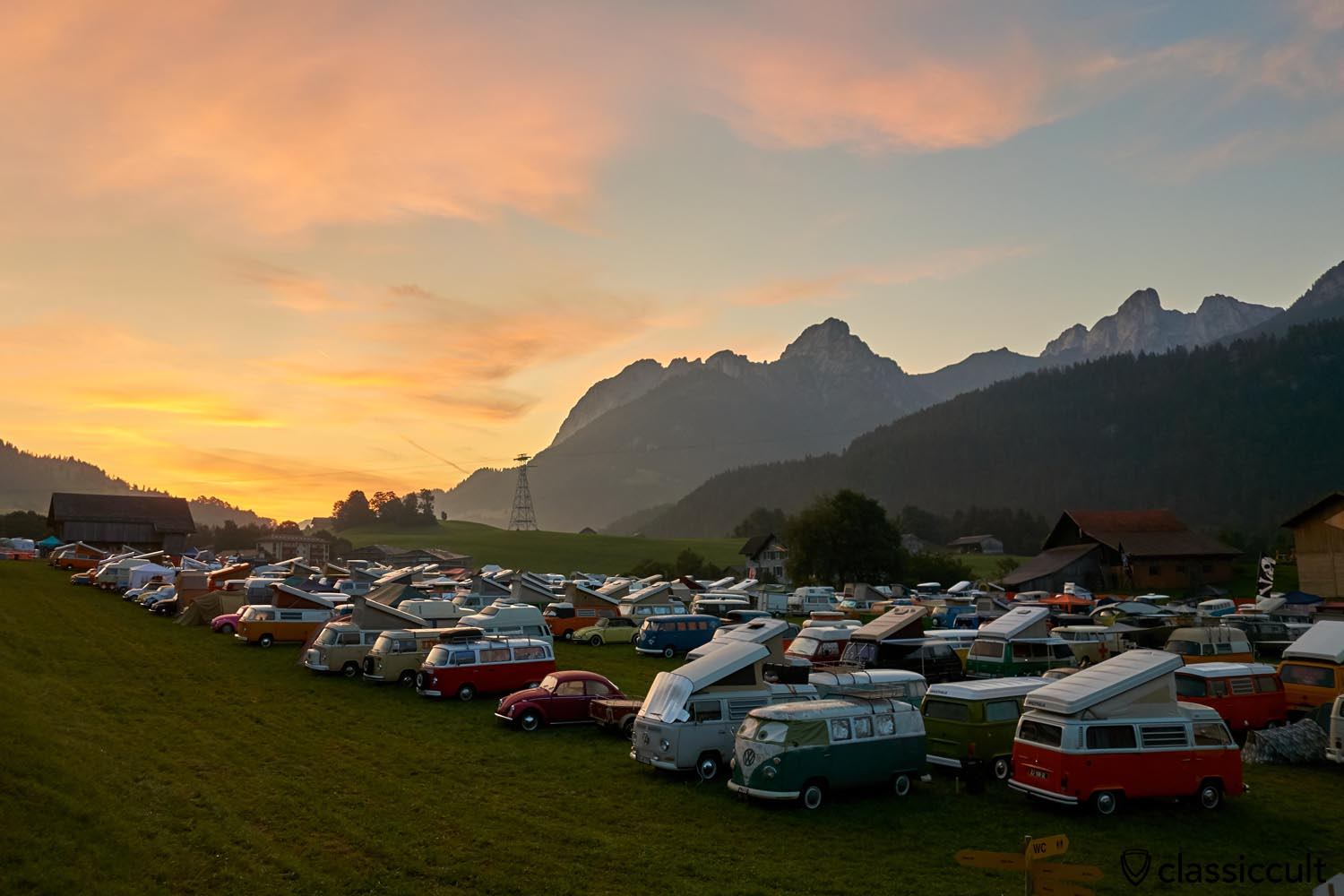 Sunrise Chateau D`Oex VW meeting Switzerland 2019