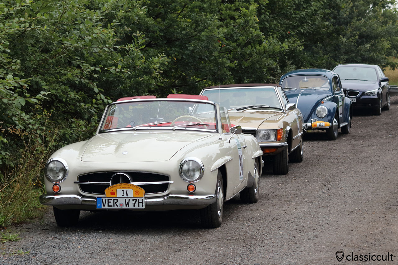 1963 Mercedes 190SL, 1973 Mercedes 450SL and my 1959 VW Beetle at Landhaus Badenhoop in Schafwinkel, 9:18 a.m., 20th August 2016, waiting for the start of # 22 ADAC Oldtimer Classic Rallye Verden