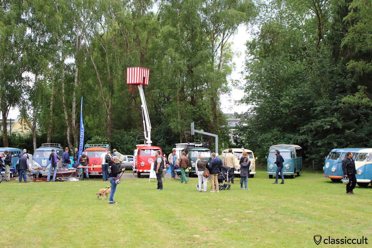 VW Pick up with hydraulic lift, Bad Camberg VW Show