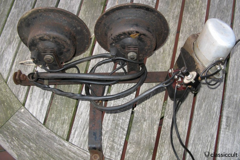 Vintage Bosch Police Ambulance Emergency Warning Fanfare Horn with Relay and Switch rear side