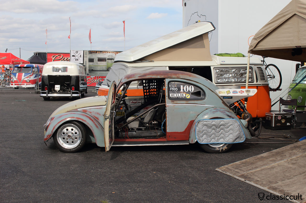 VW Oval Beetle cooling after drag racing