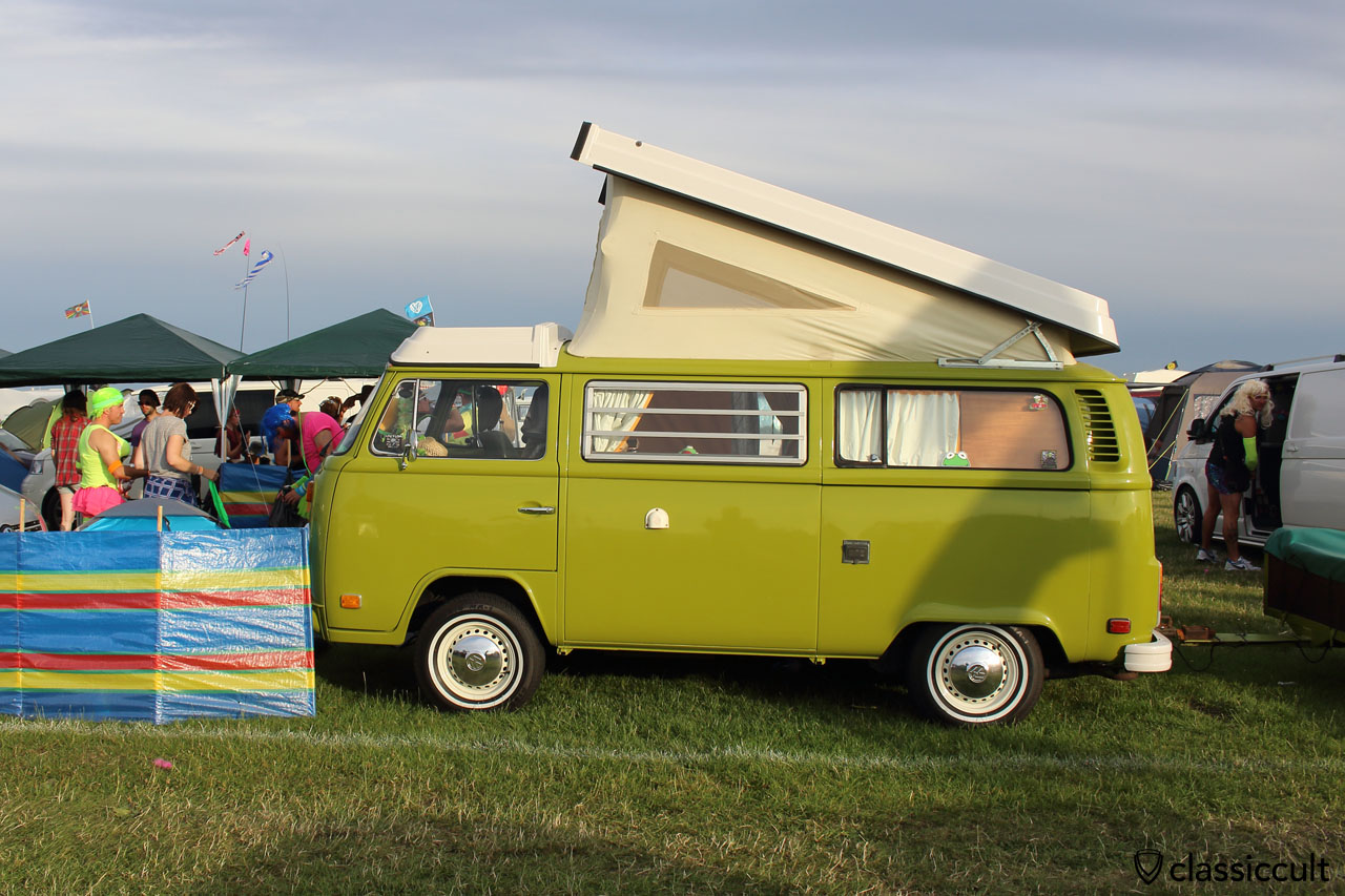 """T2 Westy and VW Fans getting ready for """"Ladies night"""""""