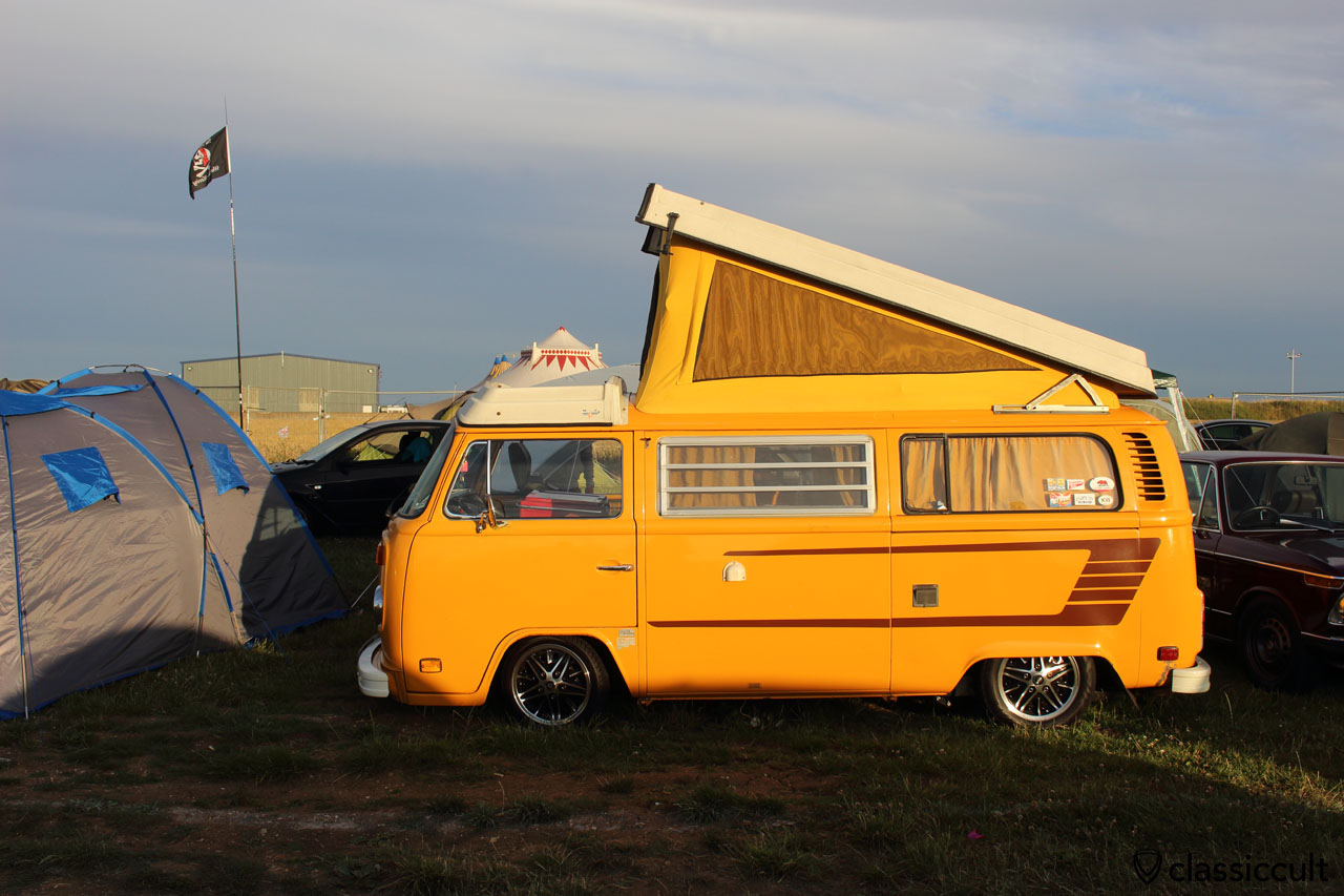 low T2b Westfalia, Bug Jam 2015, Saturday, 7:57 p.m.
