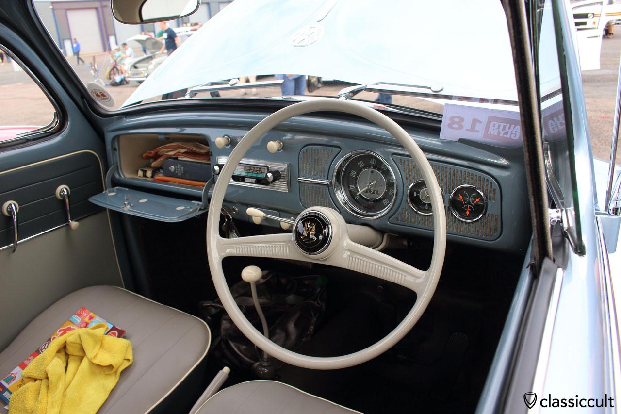 original painted und untouched 1958 VW Beetle dashboard in glacier blue L334
