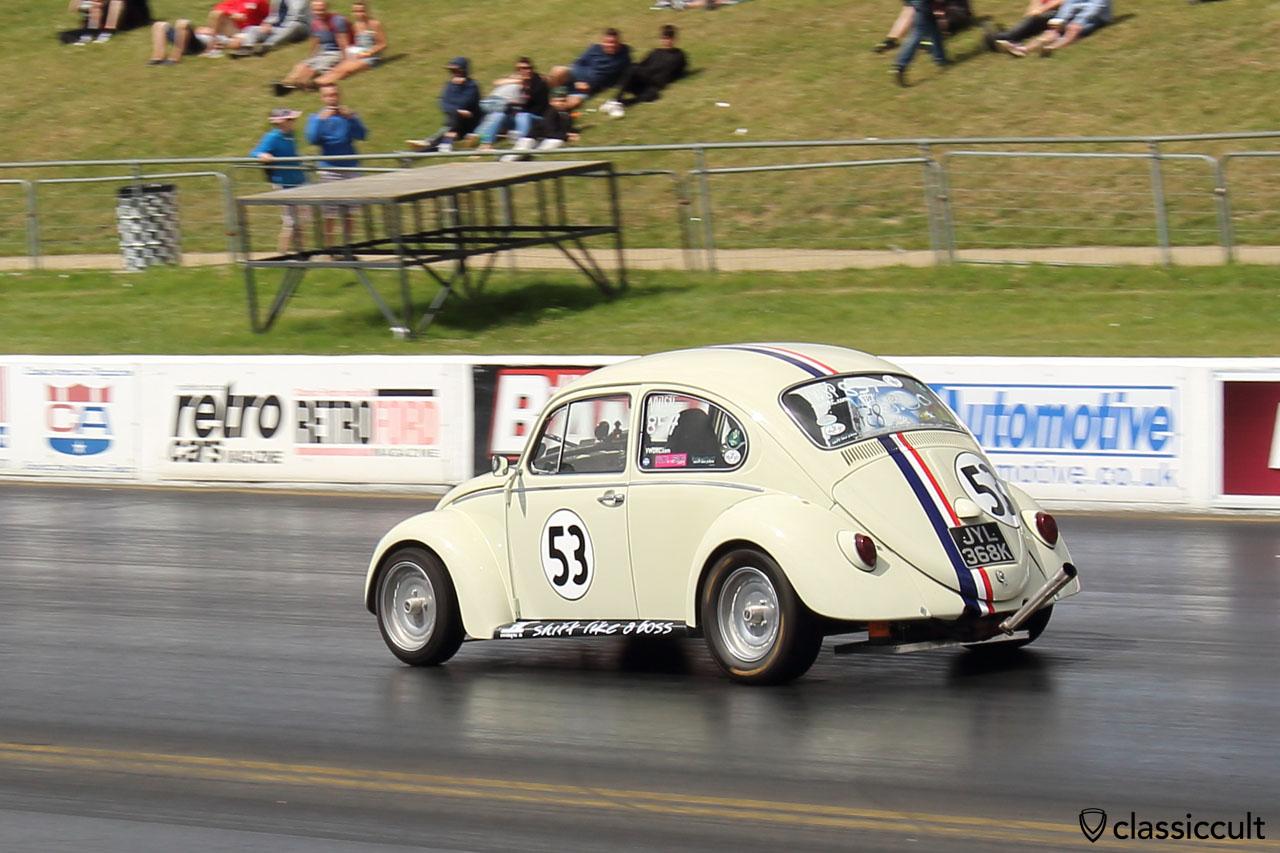 Herbie 53 Drag Race, Santa Pod Raceway