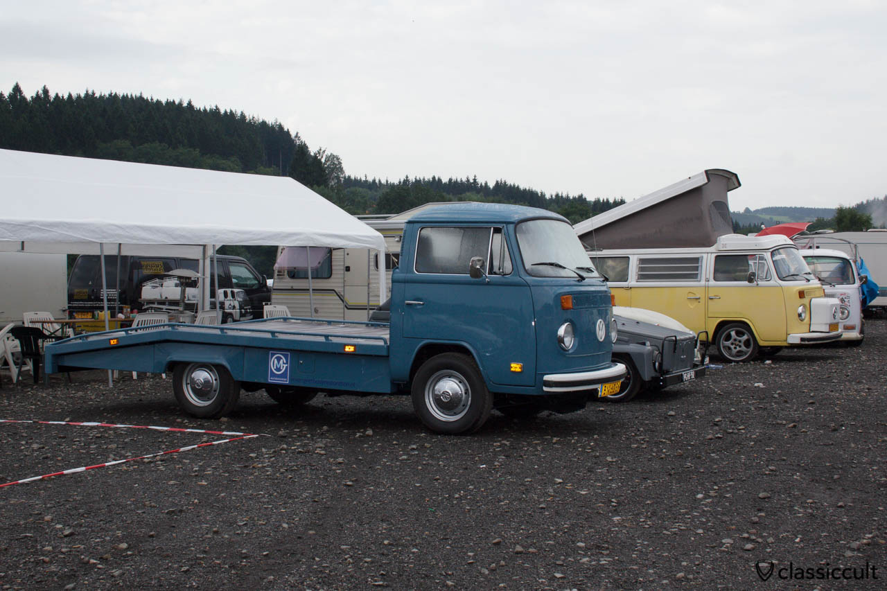 VW T2 Bus Car Transporter