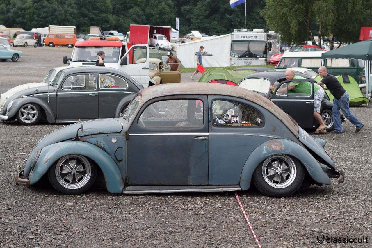 VW Rheumaklappen Split Bug slammed with alloy rims