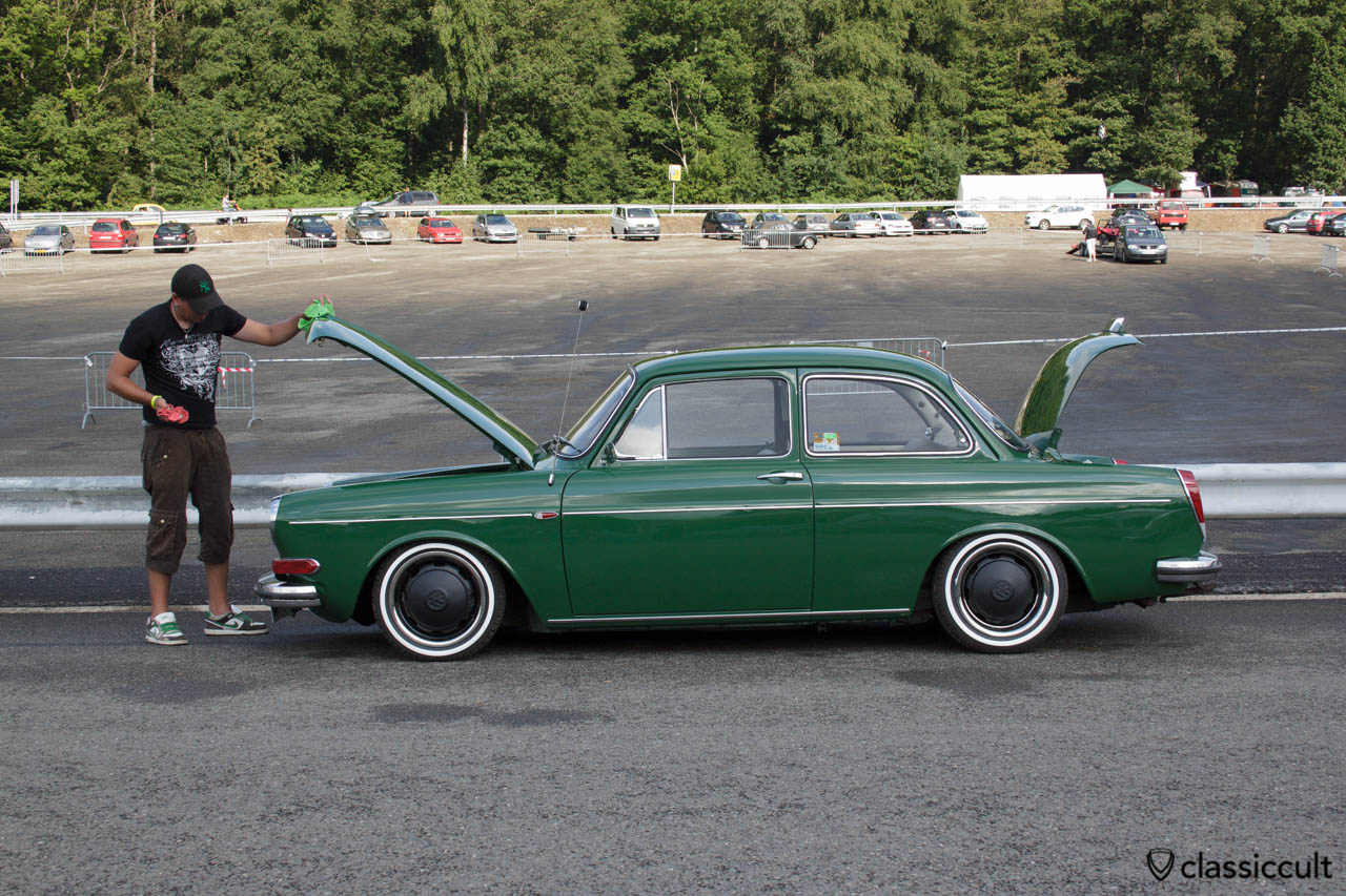 VW Type 3 Notchback cleaning