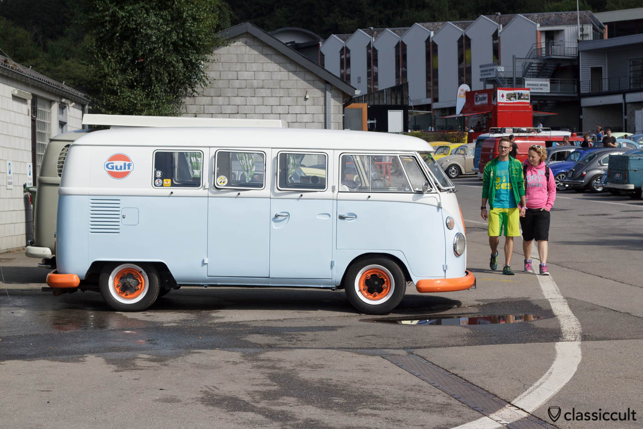 VW T1 Split Gulf Oil Bus
