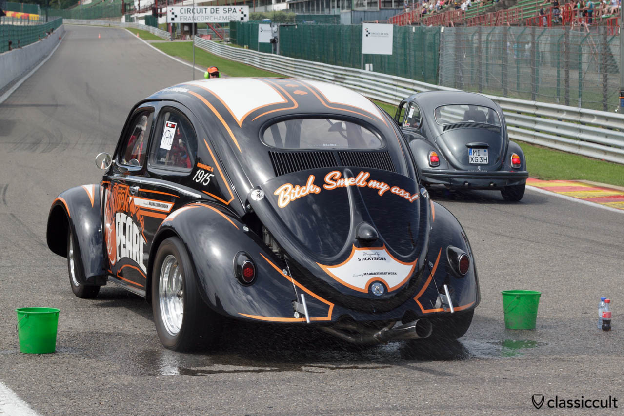 Black Pearl Oval Bug Drag race burnout at VW Bug Show 2013