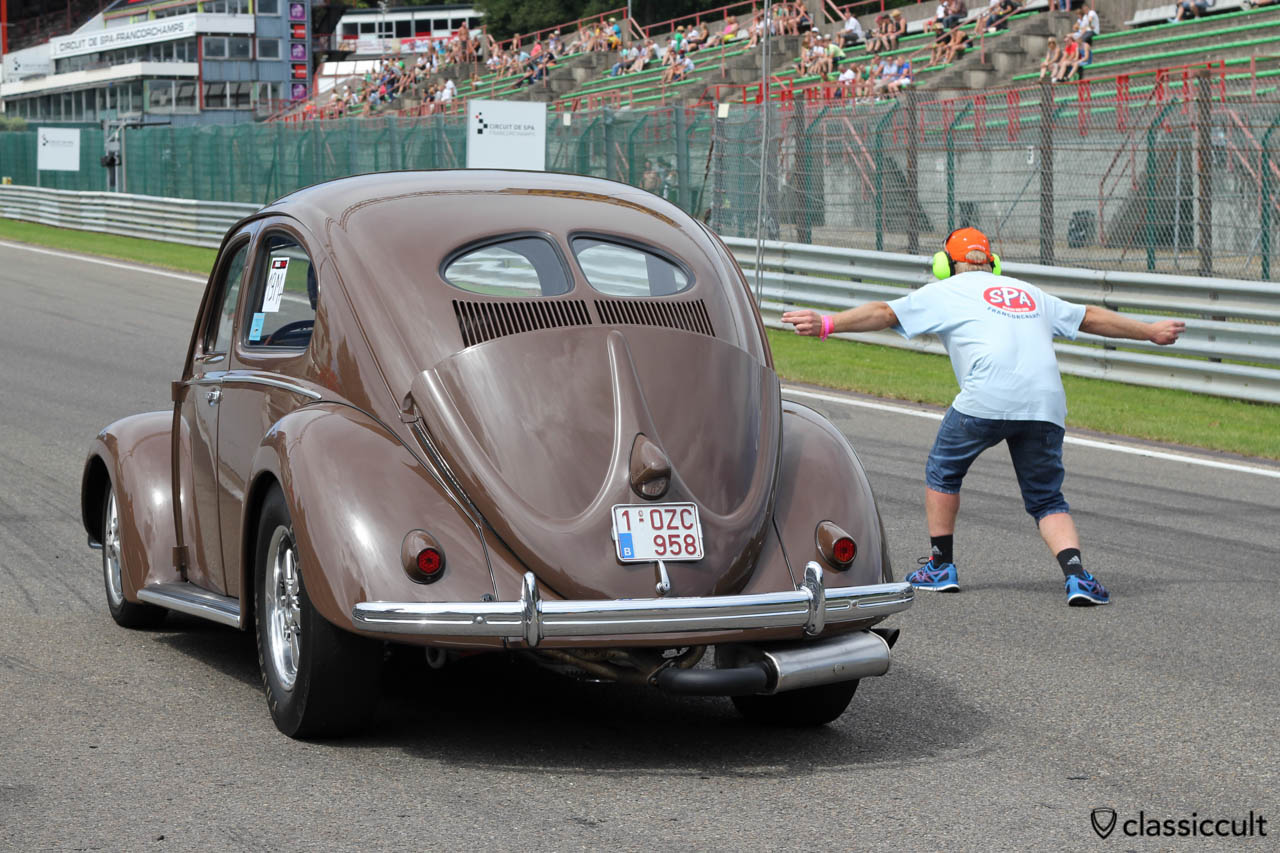 Race VW Split Bug at the drag race starting line SPA 2013.