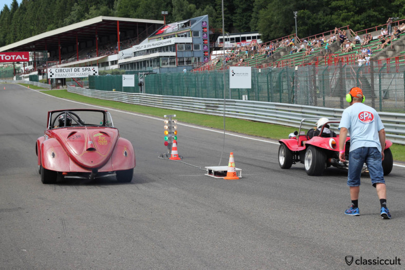VW Race Hebmüller just started the drag race at SPA 2013.