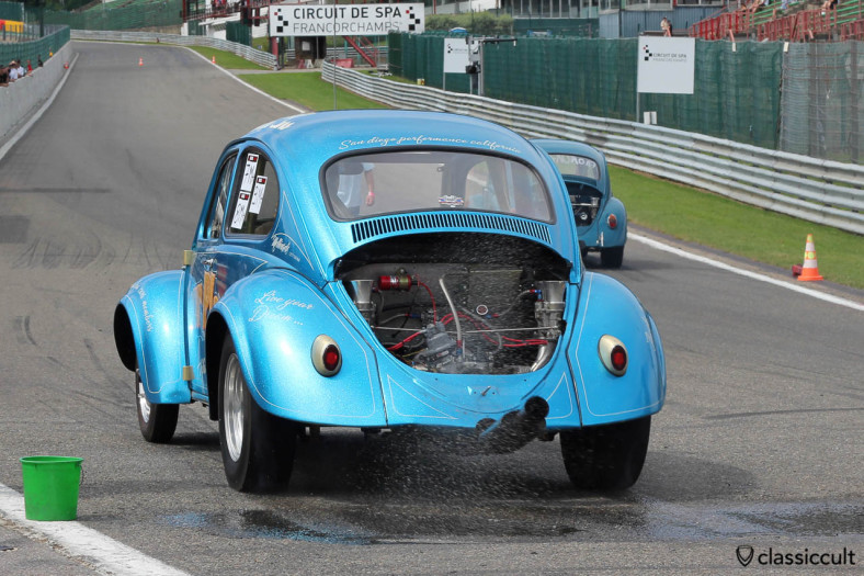 Four Play VW Race Beetle doing a burnout for Drag-Racing Bug Show 2013 Spa.