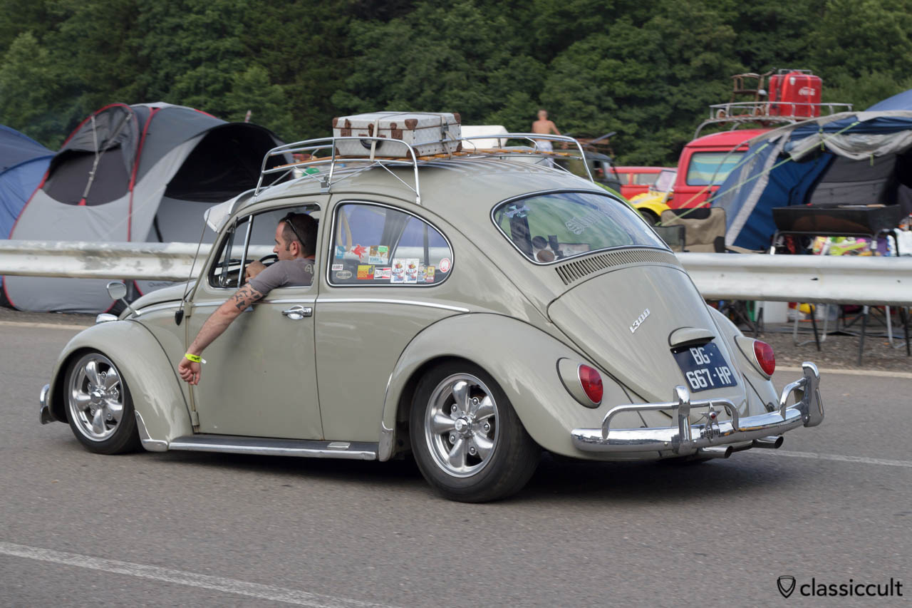 1967 VW Beetle driving with Fuchs wheels