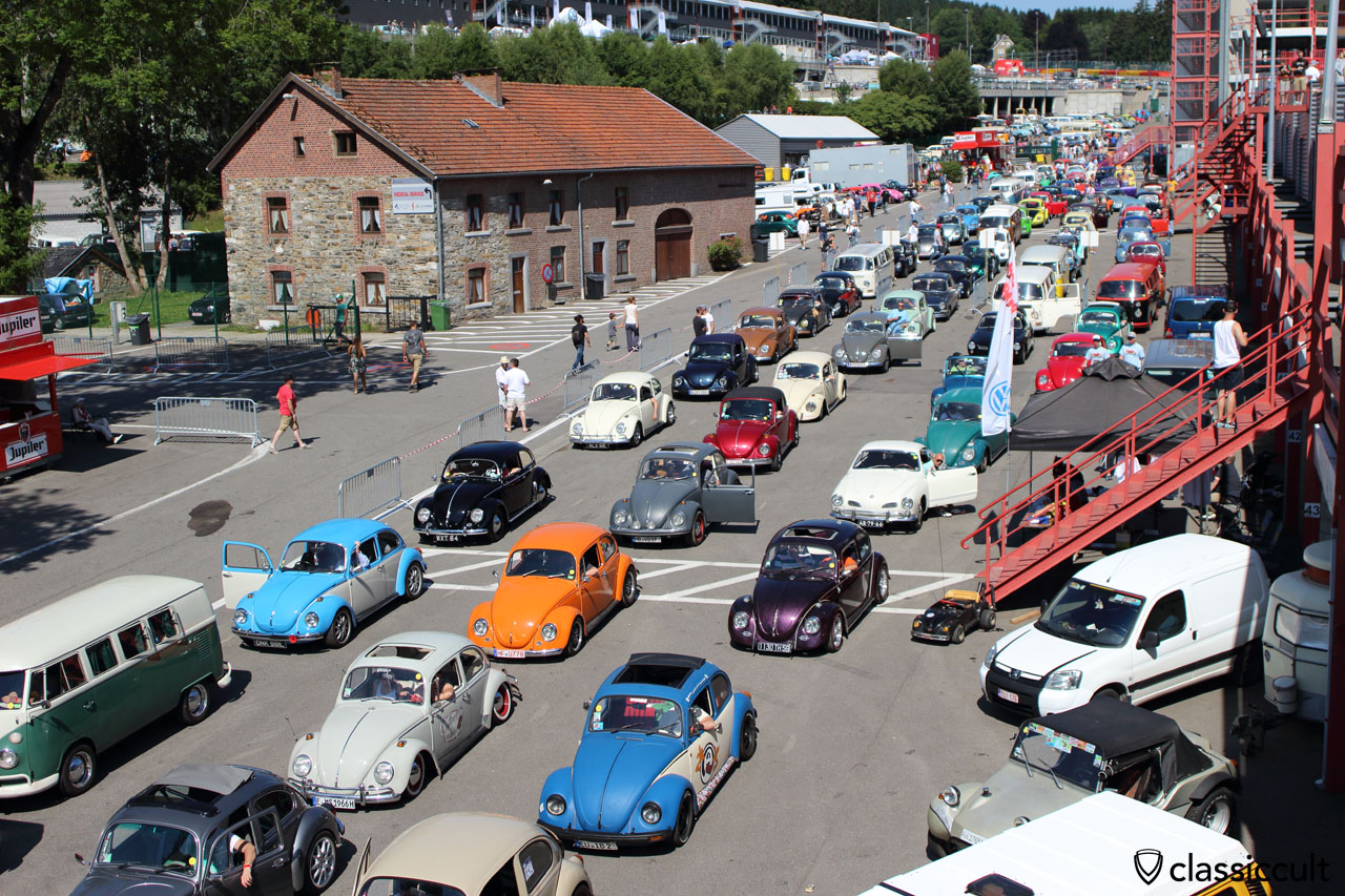 VW Fans waiting for the Spa race track cruise