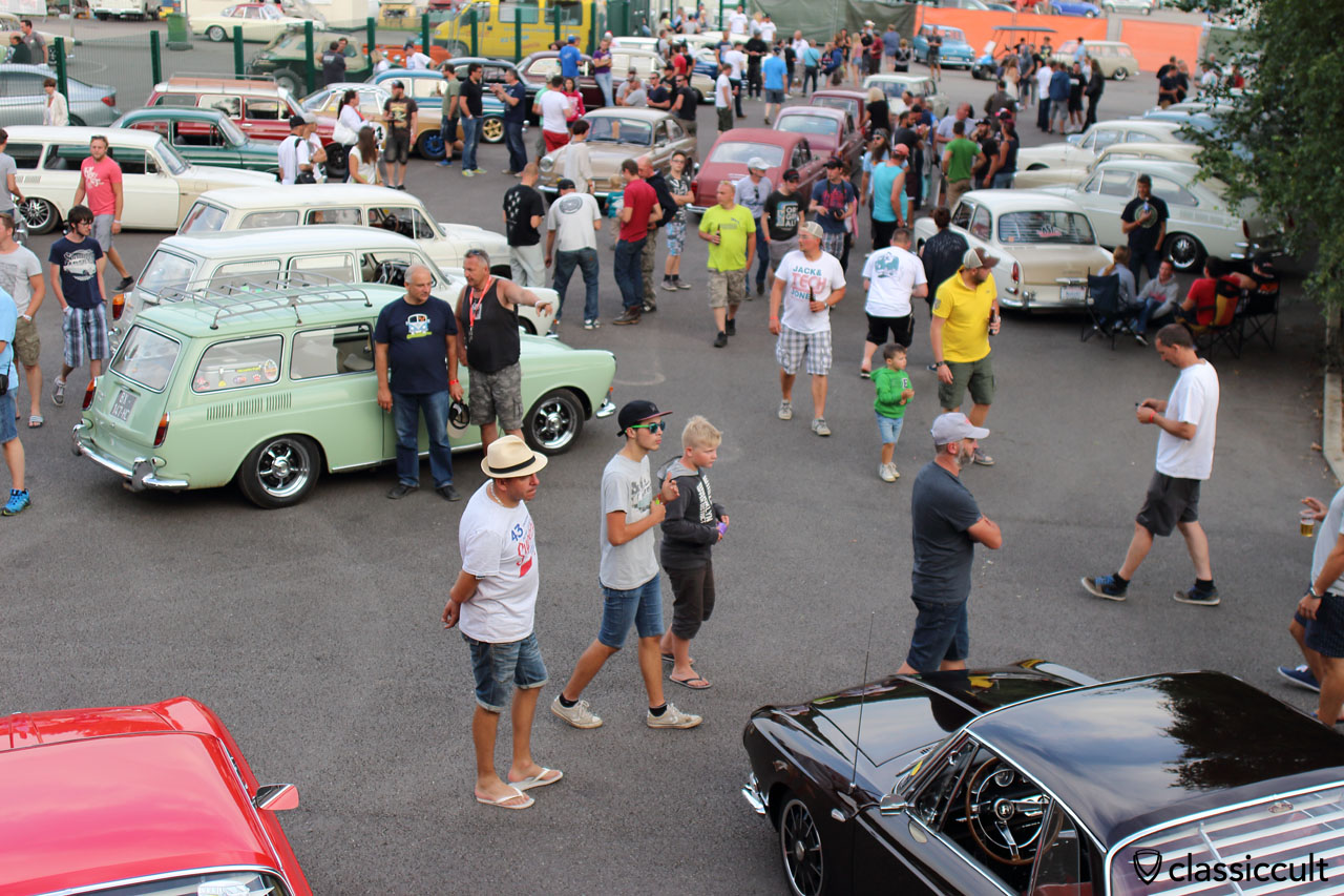 Karmann and Type 3 meeting crowded, 7:36 p.m.