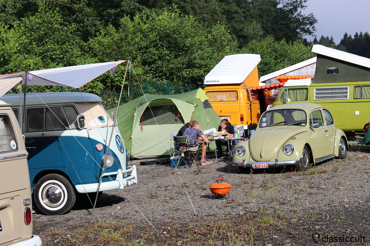 camping and breakfast, Le VW Bugshow 2016, 9:17 a.m.