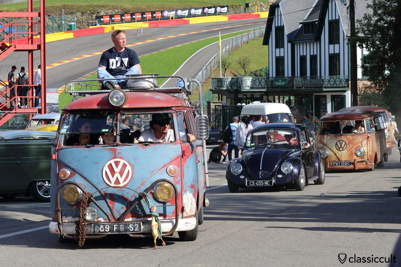 VW Split Bus from UK, parade finish
