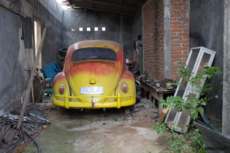 classic VW Beetle Banda Aceh - rear