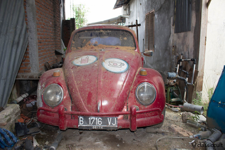 classic VW Beetle Banda Aceh - front