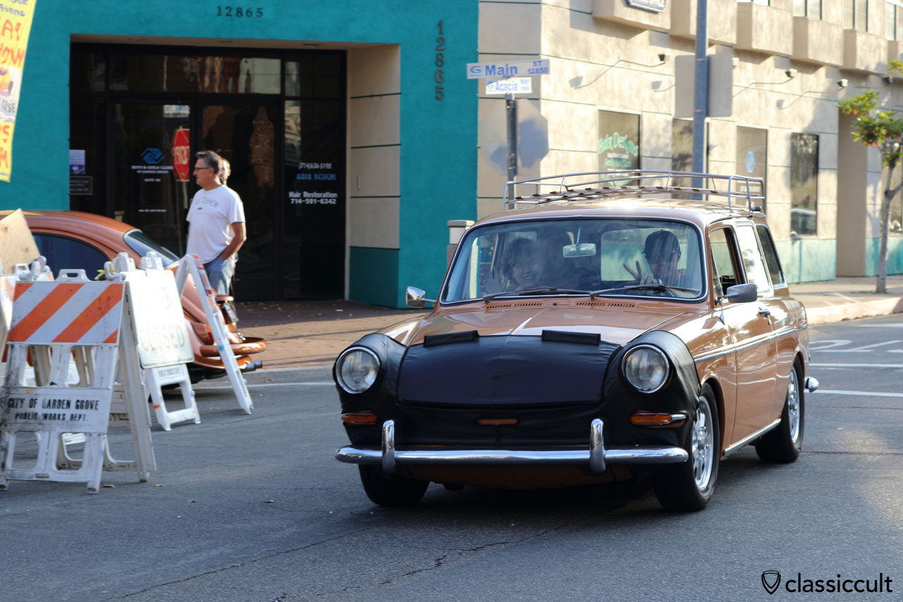 VW fans cruising in a Type 3 squareback