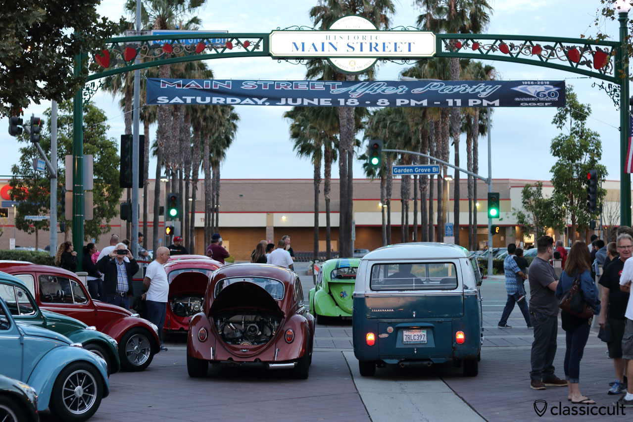 VW Fans going home, 8:01 p.m., DKP Pre-Classic Cruise Night, Main Street, Garden Grove, 2016