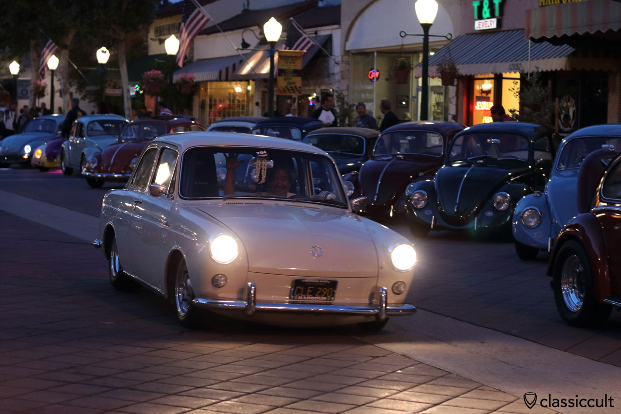 VW Type 3 cruising home