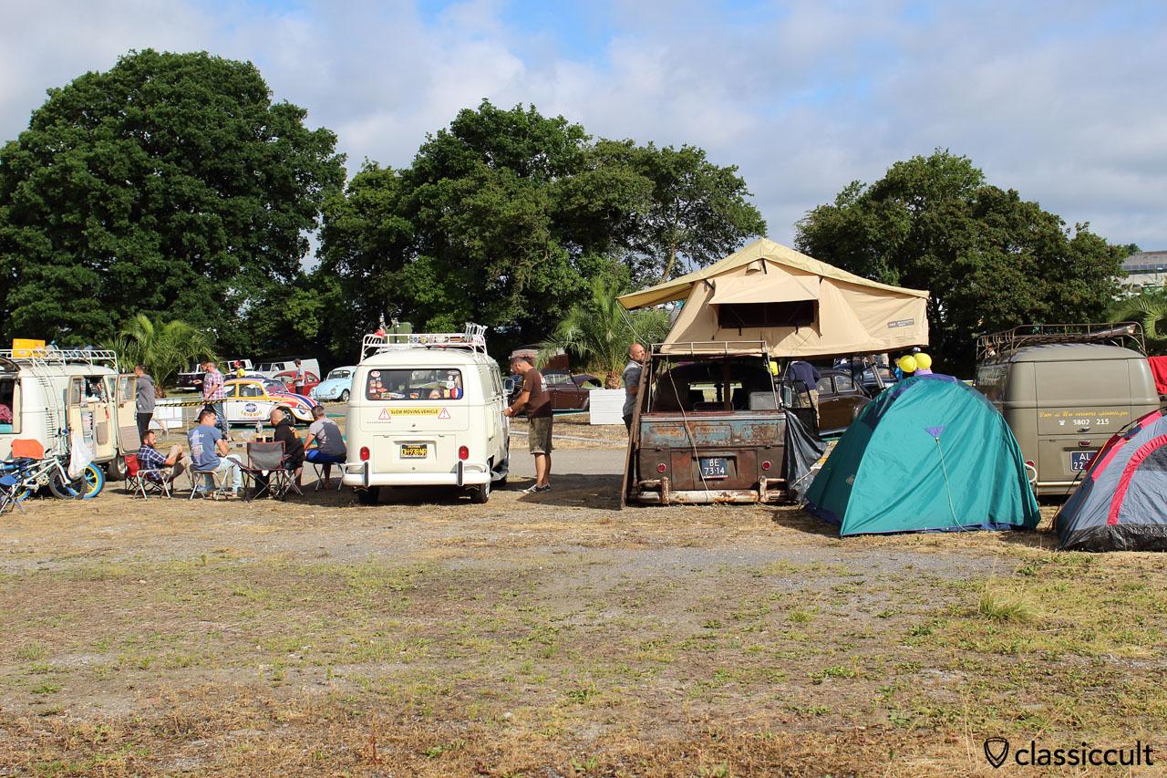 VW Split Bus roof tent