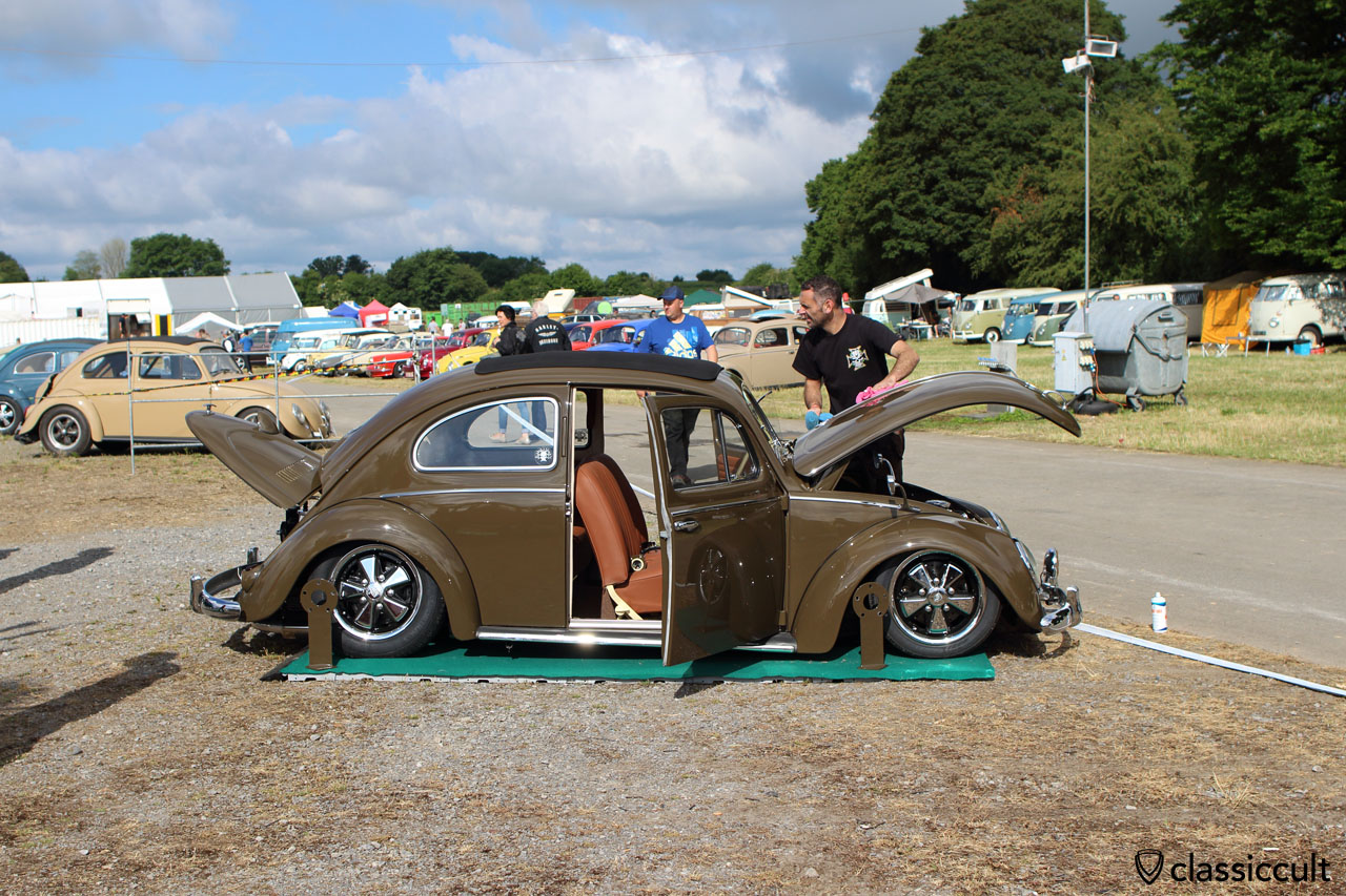 VW Oval Beetle gets polished for EBI 2015 Show and Shine
