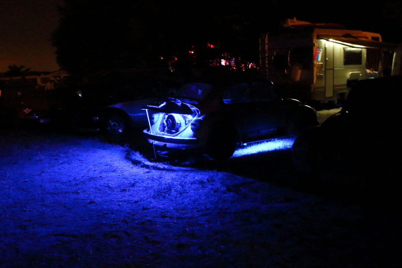VW 1303 RS illuminated in blue