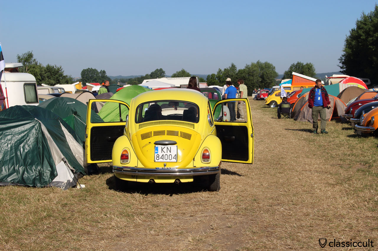 yellow Beetle, rear