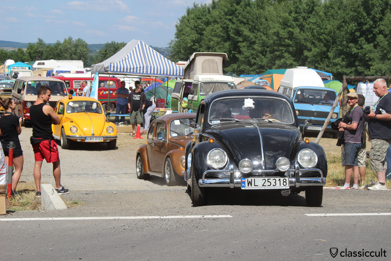 black VW Beetle drives off to Wawel Castle