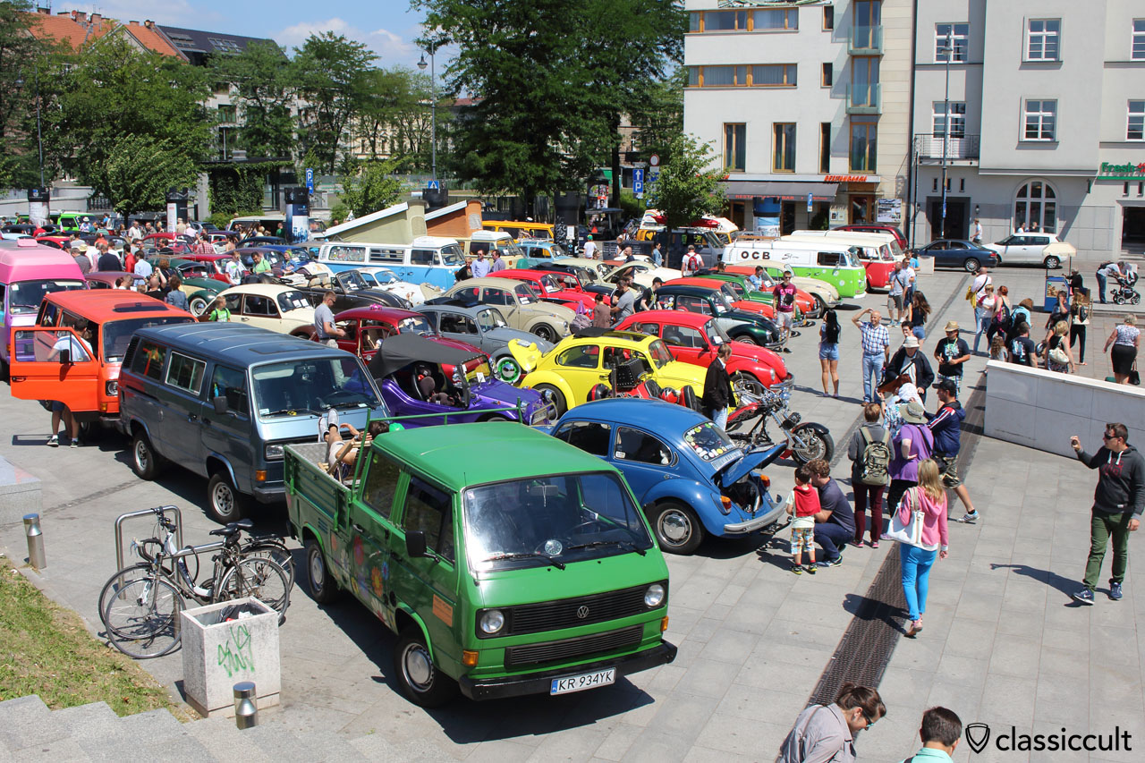 VW Show below Wawel Castle