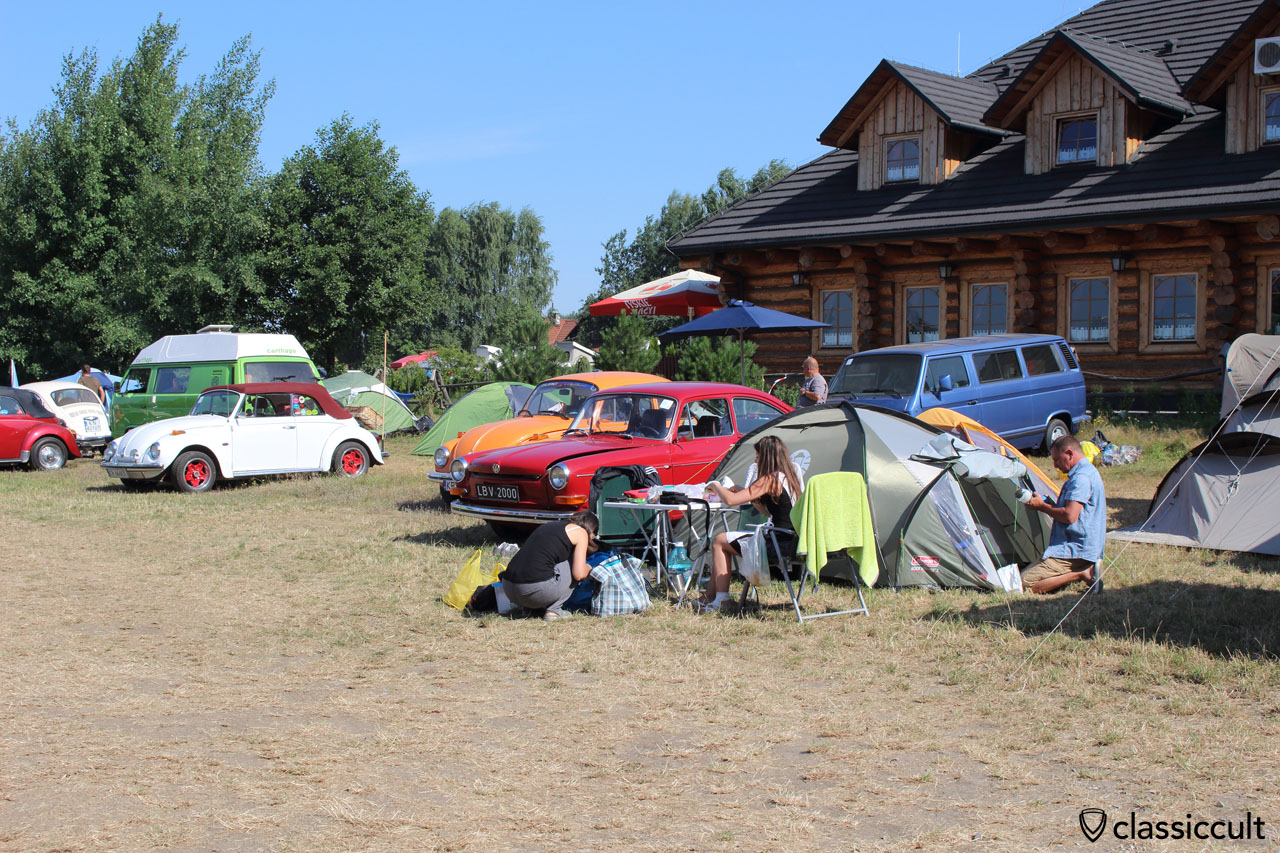 Garbojama VW meeting, VW Fans getting ready to leave, July 12, 2015, 9:30 a.m.
